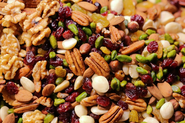 trail mix best pre-workout food for women